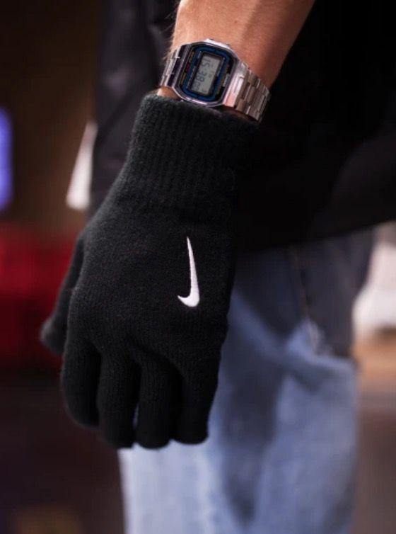 HOT! Nike Knitted Tech and Grip Handschuhe in Black White für 10,90€ (statt 18€)