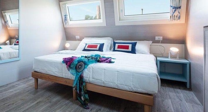 Italien: 4 Tage Hausboot Urlaub inkl. reserviertem Strandabschnitt ab 174€ p.P.