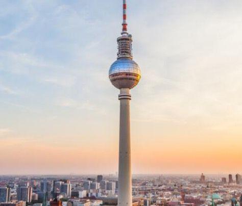 Berlin: ÜN im Berliner Premium Hotel + Fernsehturm Ticket ohne Wartezeit ab 65€ p.P.