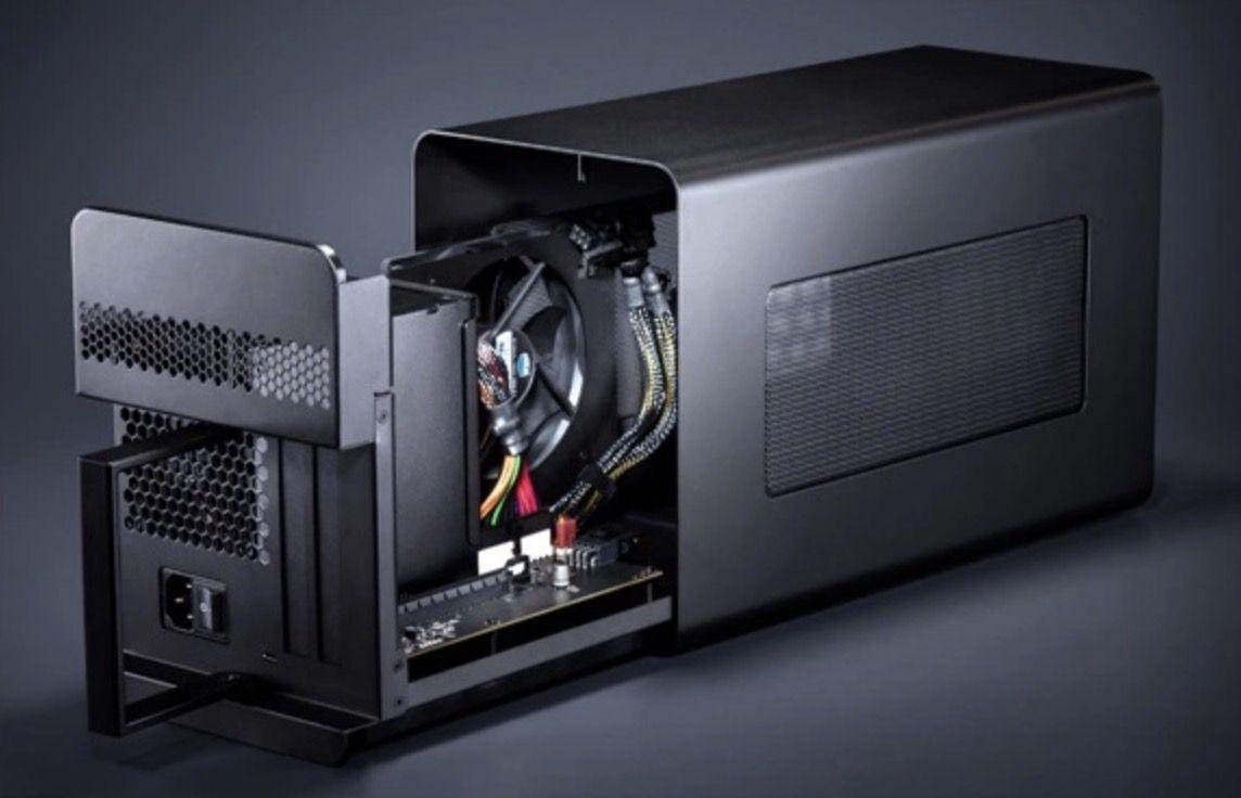 Razer Core X eGPU Gehäuse inkl. 650W Netzteil für Grafikkarten bis 500W für 249€ (statt 289€)