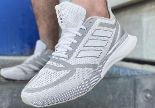 adidas Herren Nova FV SE Sneaker in Schwarz & Weiß für je 41,32€ (statt 55€)