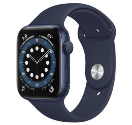 Abgelaufen! Apple Watch Series 6 (GPS) 44mm Aluminium Blau mit Sportarmband für 407,31€ (statt 445€)