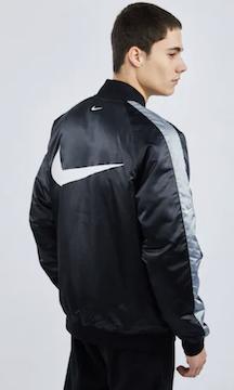 Nike Swoosh Bomberjacke für 29,99€ (statt 83€)   nur XS, S