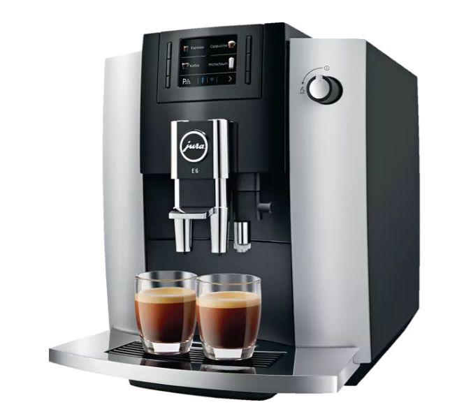 Jura E6 Kaffeevollautomat (Modell 2019) für 576,49€ (statt 690€)
