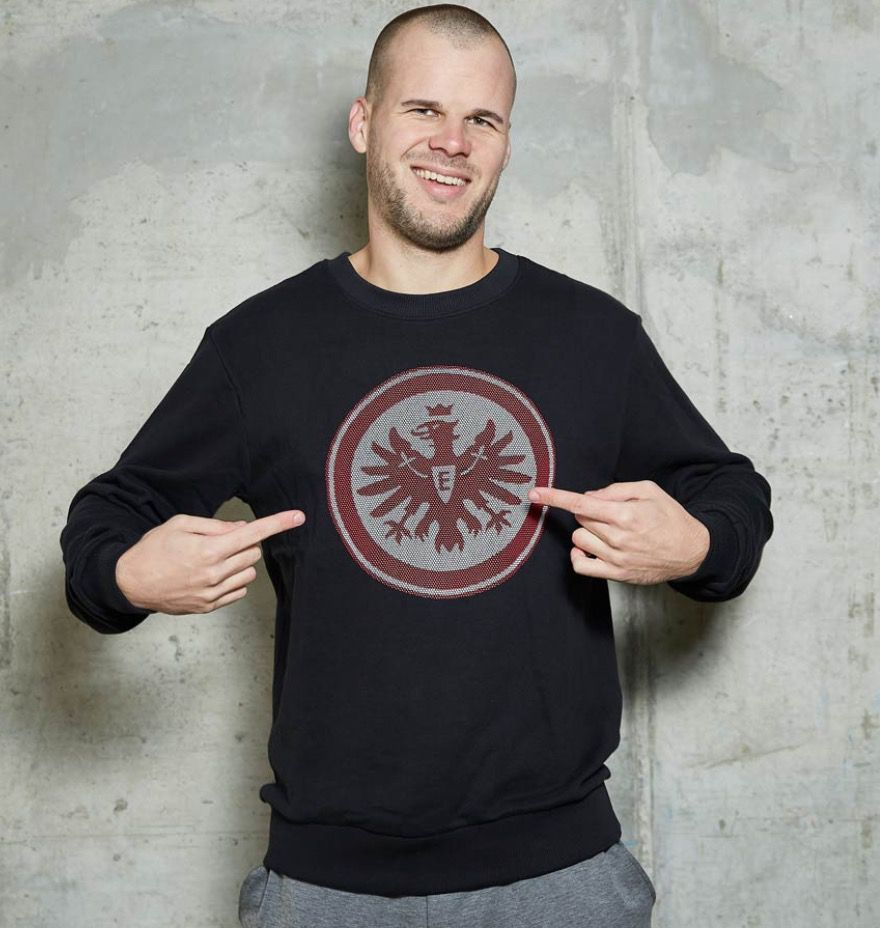 Eintracht Frankfurt Sweatshirt mit großem Brustlogo für 19,90€ (statt 35€)