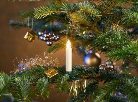 25er Pack LED Christbaumkerzen (kabellos) inklusive Zubehör für Fenster  und Tischdekoration für 32,94€ (statt 54€)