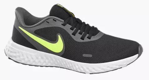 Nike Revolution 5 Laufschuhe mit gelbem Swoosh Logo für 26,79€ (statt 43€)