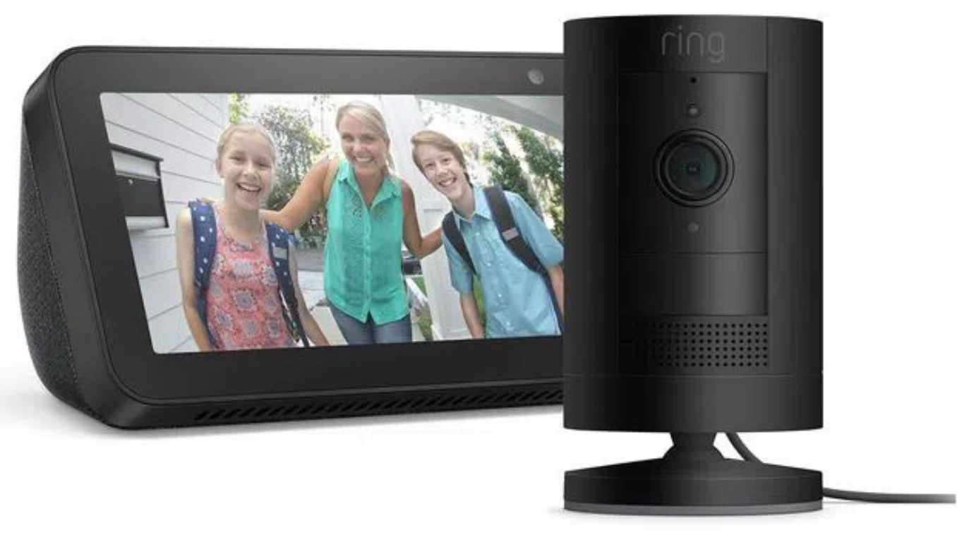Alexas Echo Show 5 + Ring Stick Up In Outdoor Kamera für 82,27€ (statt 119€)