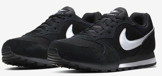 Nike MD Runner 2 Sneaker in Schwarz oder Blau für 36,37€ (statt 50€)