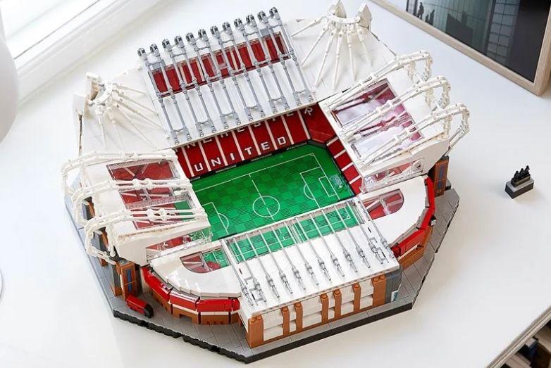 LEGO 10272 Manchester United Stadion Old Trafford für 219€ (statt 239€)