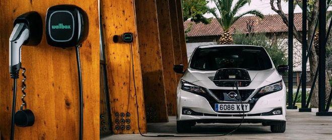 Privat & Gewerbe: Nissan Leaf Tekna Elektro mit 150PS inkl. Wallbox 22KW und Winterräder für 169€ mtl.   LF 0,48