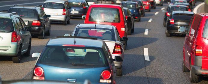 Pendlerpauschale, CO2 Preise, KFZ Steuer – das ändert sich 2021 finanziell für Autofahrer