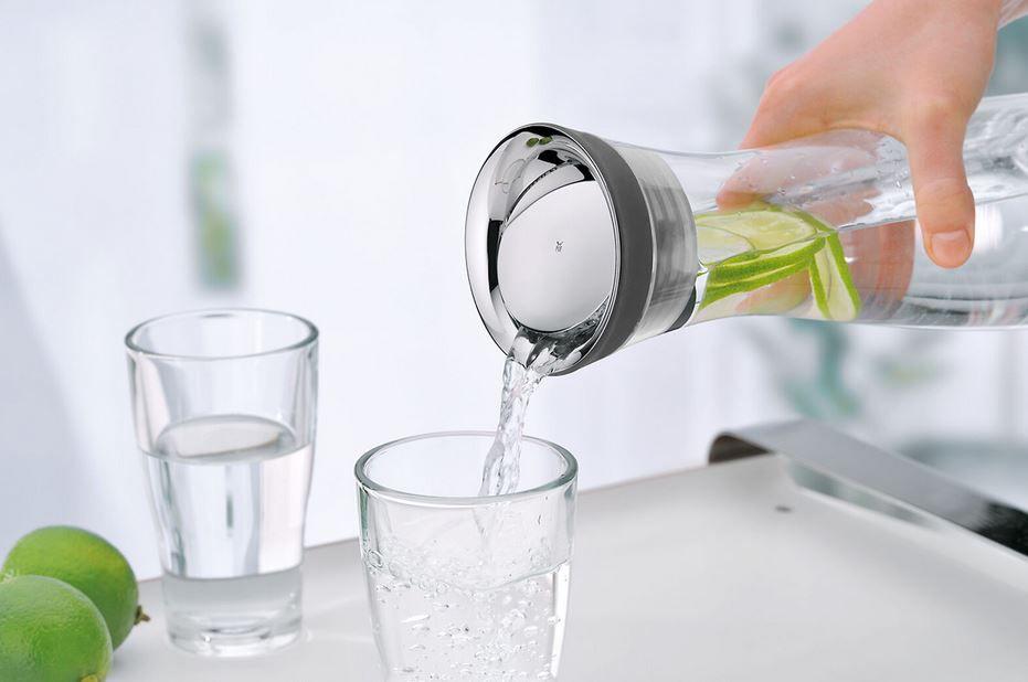 WMF Basic 1 Liter Wasserkaraffe mit CloseUp Verschluss für 17,99€ (statt 28€)