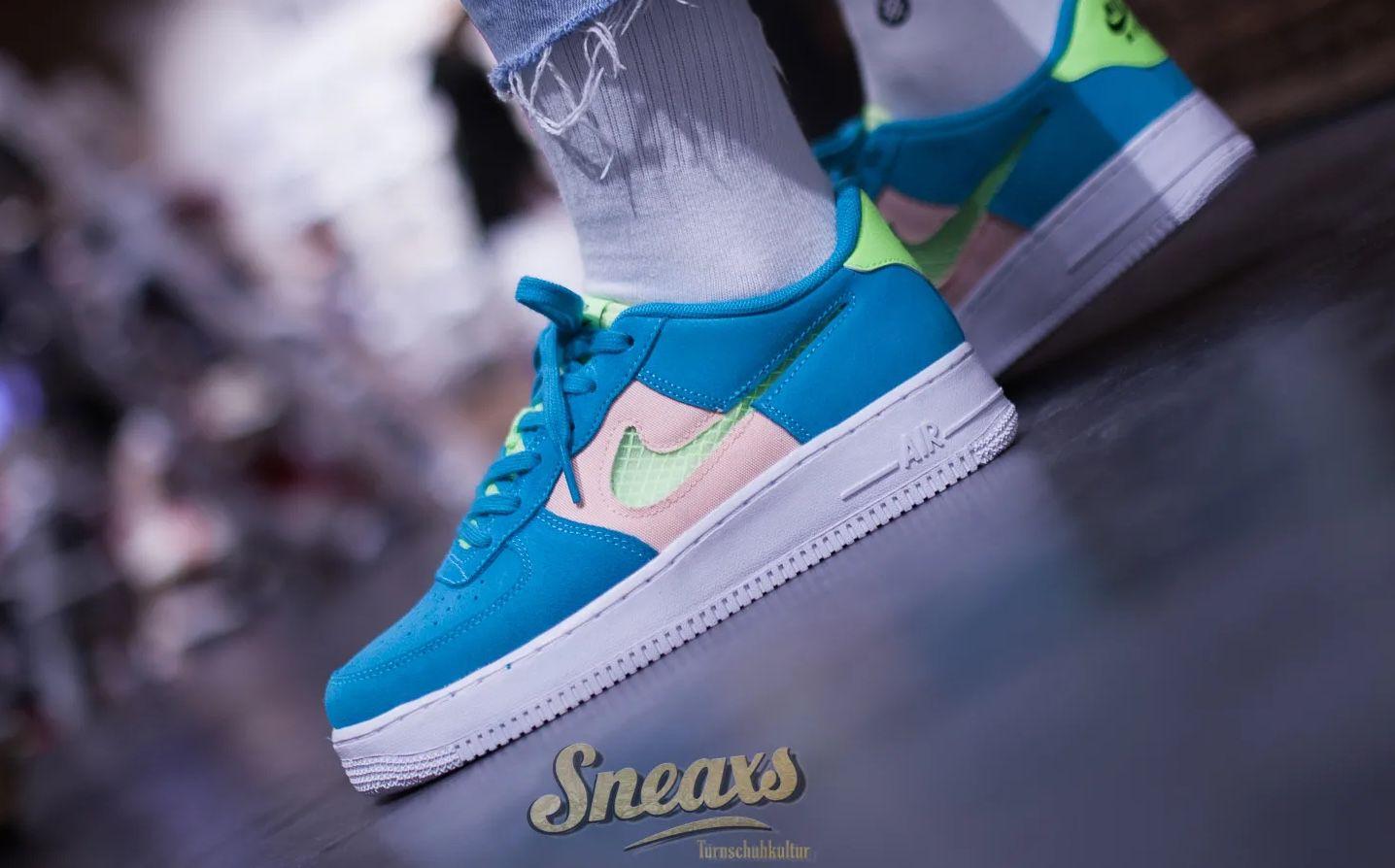 Nike Air Force LV8 Kids Sneaker aus Leder für 51,95€ (statt 64€)