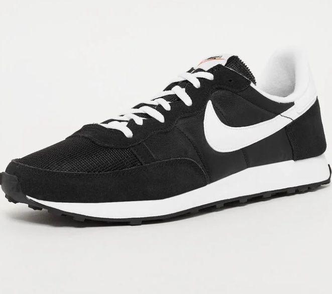 Nike Challenger OG Wildleder-Sneaker in Schwarz für 47,40€ (statt 58€)