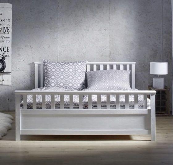 Holzbett Pina (180 x 200cm) für 174,30€ (vorher 249€)