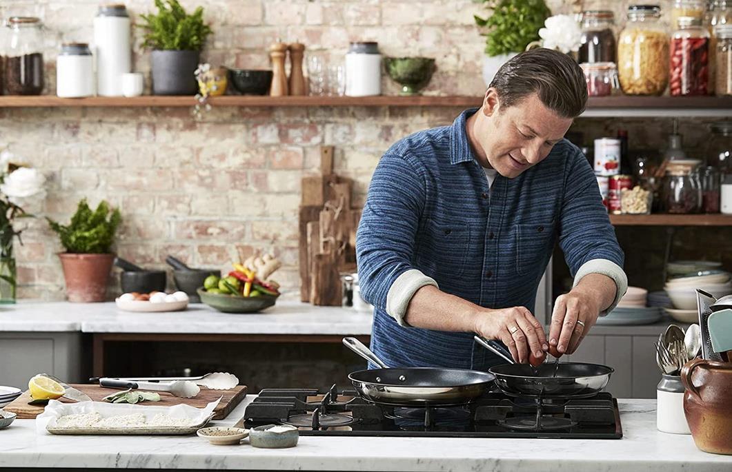Tefal Pfannen Set Jamie Oliver Brushed aus Edelstahl (20, 24, 28cm) für 89,99€ (statt 140€)