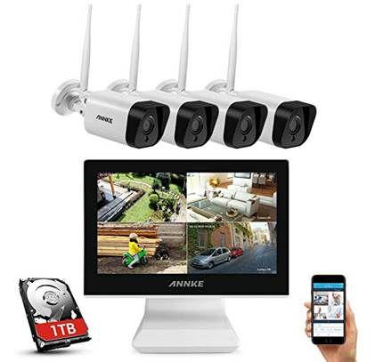 ANNKE WL400 Überwachungskamera Set mit 4x 1080p Cams, Monitor & 1TB HDD für 299,99€ (statt 350€)