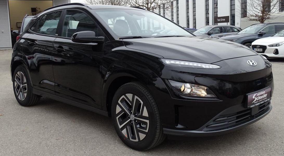 Gewerbe: Hyundai KONA Elektro in Dark Knight mit 204 PS für 89,61€ mtl. netto   LF: 0.25