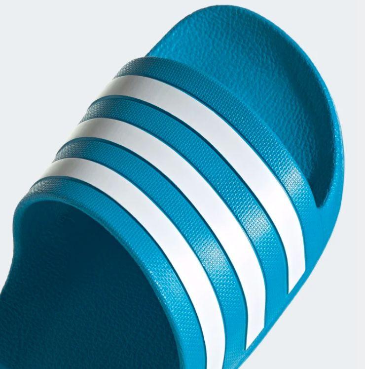 adidas Adilette Aqua Badelatsche in Blau für 12€(statt 15€)