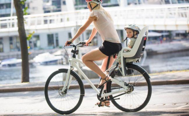 hamax Fahrradsitz Caress mit Gepäckträgeradapter für 70,98€ (statt 91€)