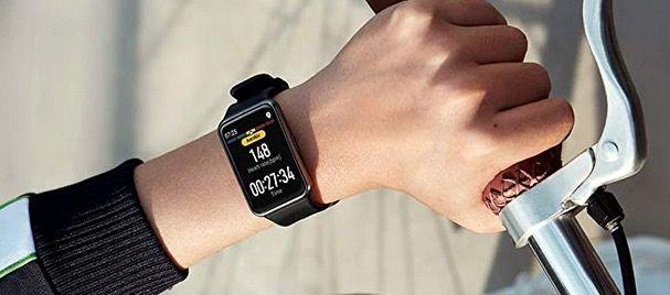 Huawei Watch Fit Smartwatch in Schwarz für 64,99€ (statt 73€)