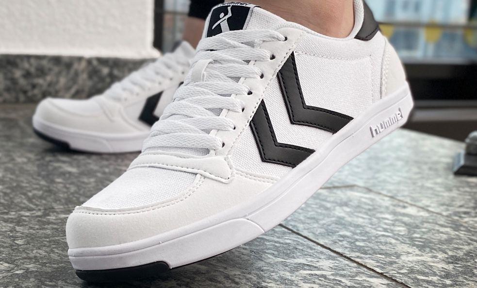 hummel Herren Stadil Light Canvas Sneaker für 18€ (statt 25€)   Restgrößen bis 42