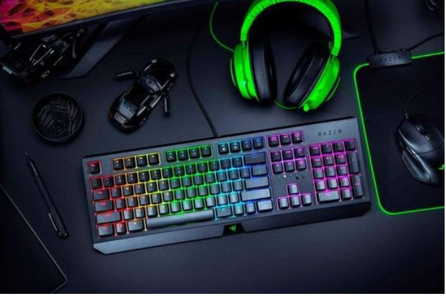 Razer BlackWidow Green Switch Tastatur für 72,94€ (statt 130€)