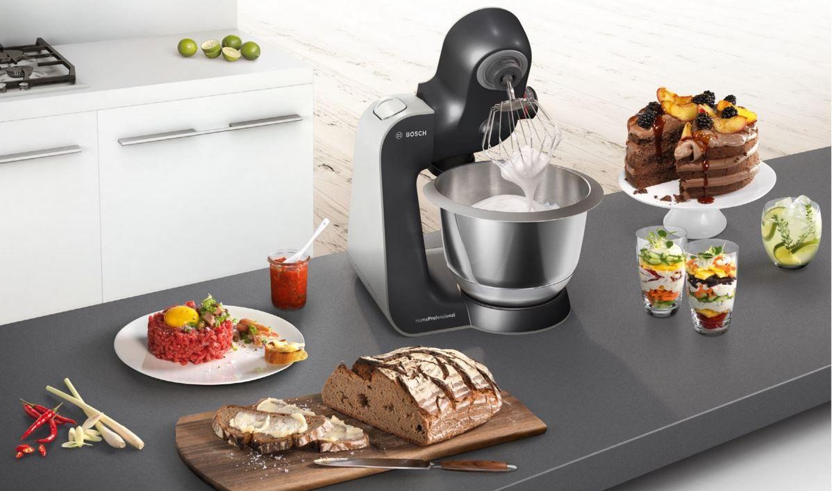 Bosch MUM59M55 Küchenmaschine mit reichl. Zubehör für 349€ (statt 375€)