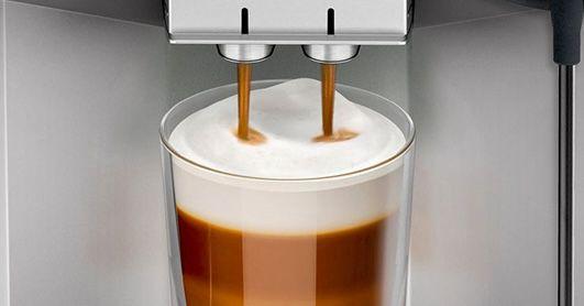 Siemens TE657M03DE Kaffeevollautomat + Reinigungsset für 769,90€ (statt 802€)