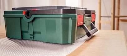 Bosch Starter Set 18 V 2 x 2,5 Ah Akkus für 75,99€ (statt 158€)
