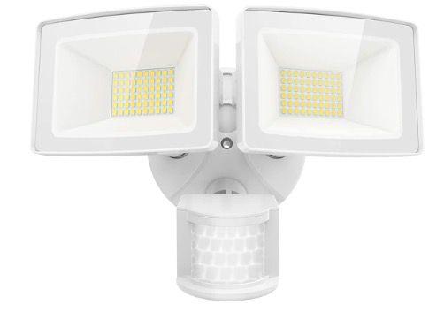 Olafus LED Sicherheitslicht mit Bewegungsmelder 50W und 5500LM IP65 für 27,49€ (statt 50€)