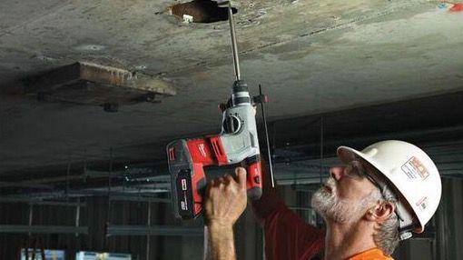 Milwaukee HD18HX 402C Bohrhammer mit 2x 4,0 Ah Akku (18V) für 428,90€ (statt 504€)