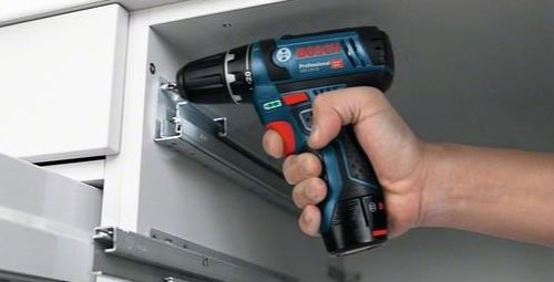 Bosch Professional Akku Bohrschrauber PS GSR 12V 15 + 2x 2,0Ah + 6x Schraubendreher für 109,99€ (statt 137€)