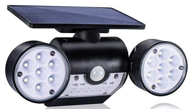 LED Solar Außenlampe mit 3 Strahlern für 13,99€ (statt 20€)   Prime