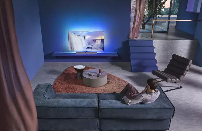 Philips 55OLED935/12   55Zoll Ambilight UHD smart TV mit Soundbar Ständer für 1.476,65€ (statt 1.739€)