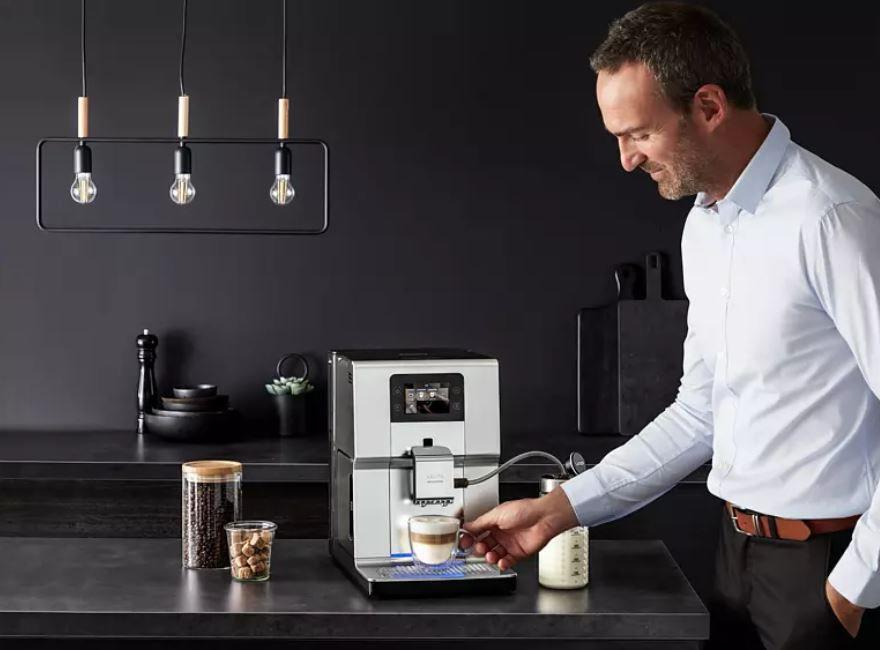 KRUPS EA 875 E Intuition Preference+ Kaffeevollautomat für 689€ (statt 781€)
