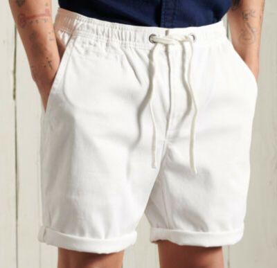 Superdry Herren Sunscorched Chino-Shorts für je 22,95€ (statt 35€)