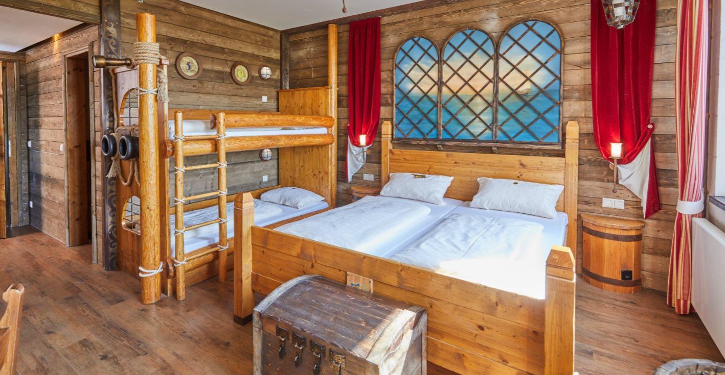 Zu viert in den Heide Park Soltau im 4 Bett Zimmer inkl. Frühstück ab 228€ (nur 57€ p.P.)