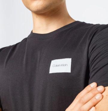 Calvin Klein T Shirt Turn Up Logo in Regular Fit für 14,95€ (statt 28€)