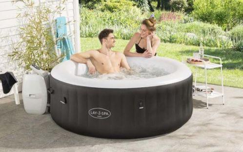 Bestway Lay Z Spa Miami AirJet Whirlpool mit Massagedüsen ab 349,99€ (statt 404€)   nur Abholung