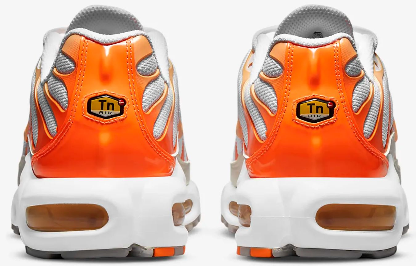 Nike Air Max Plus Damen Sneaker in Atomic Orange für 101,97€ (statt 170€)