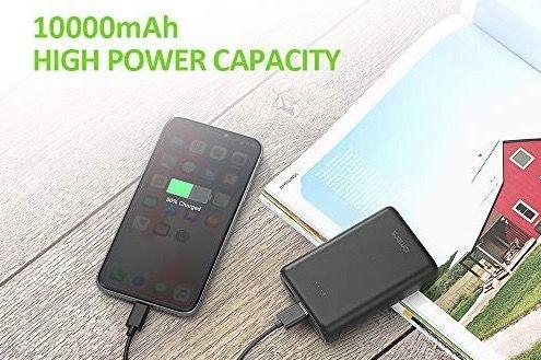 Omars Mini Powerbank mit 10.000mAh mit USB C  und 2 USB A Ports für 8,97€ (statt 15€)