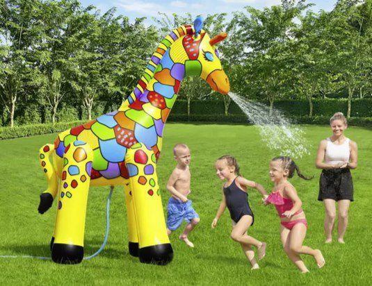 Bestway Jumbo Giraffe Wassersprinkler für 28,94€ (statt 35€)