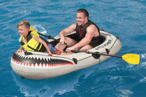 Bestway Schlauchboot Battle Bomber Raft in mit Pumpe für 23,94€ (statt 35€)