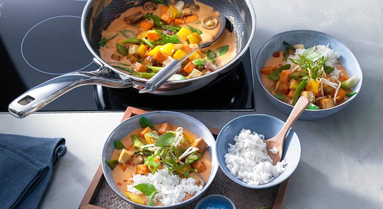 WMF asiatisches Kochgeschirr 5 teilig inkl. Wokpfanne mit Glasdeckel für 219,66€ (statt 340€)