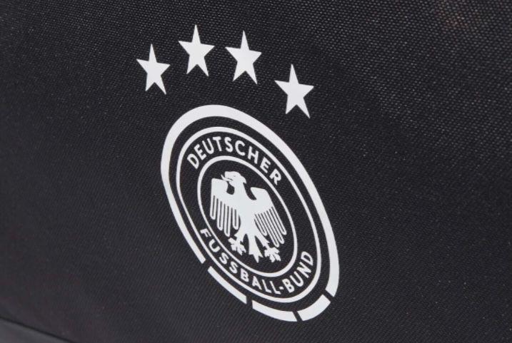 adidas DFB Duffel Bag Sporttasche mit 43 Liter für 22,47€ (statt 33€)