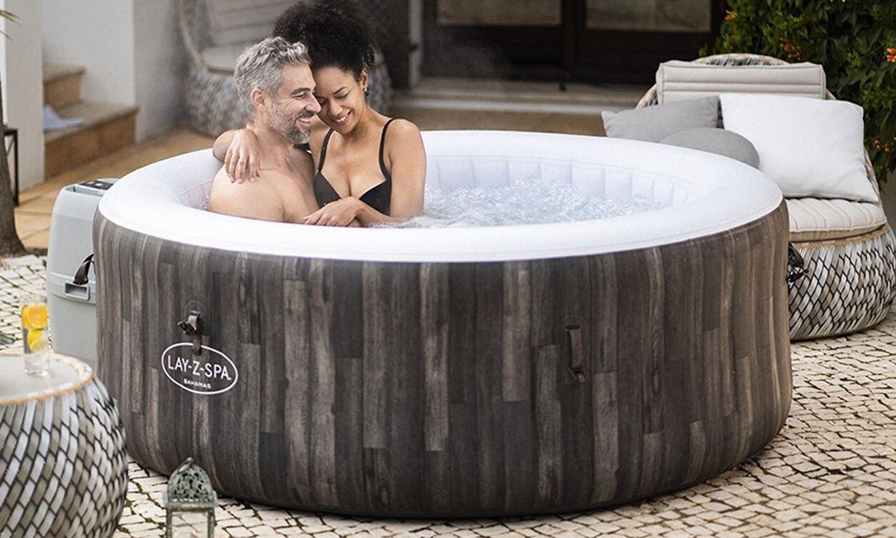 Nur Abholung: Bestway Lay Z Spa Bahamas Whirlpool 180 cm x 66 cm für 279,99€ (statt 419€)