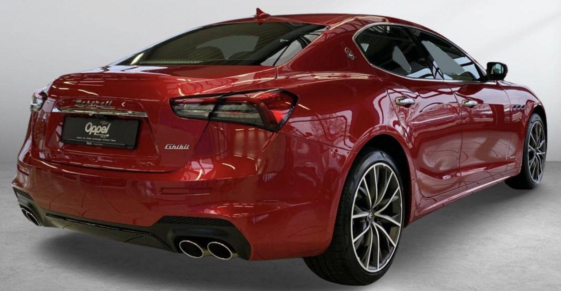 Privat: Maserati Ghibli GranSport Fenice mit 330PS für 783,41€ mtl.   LF: 0.63