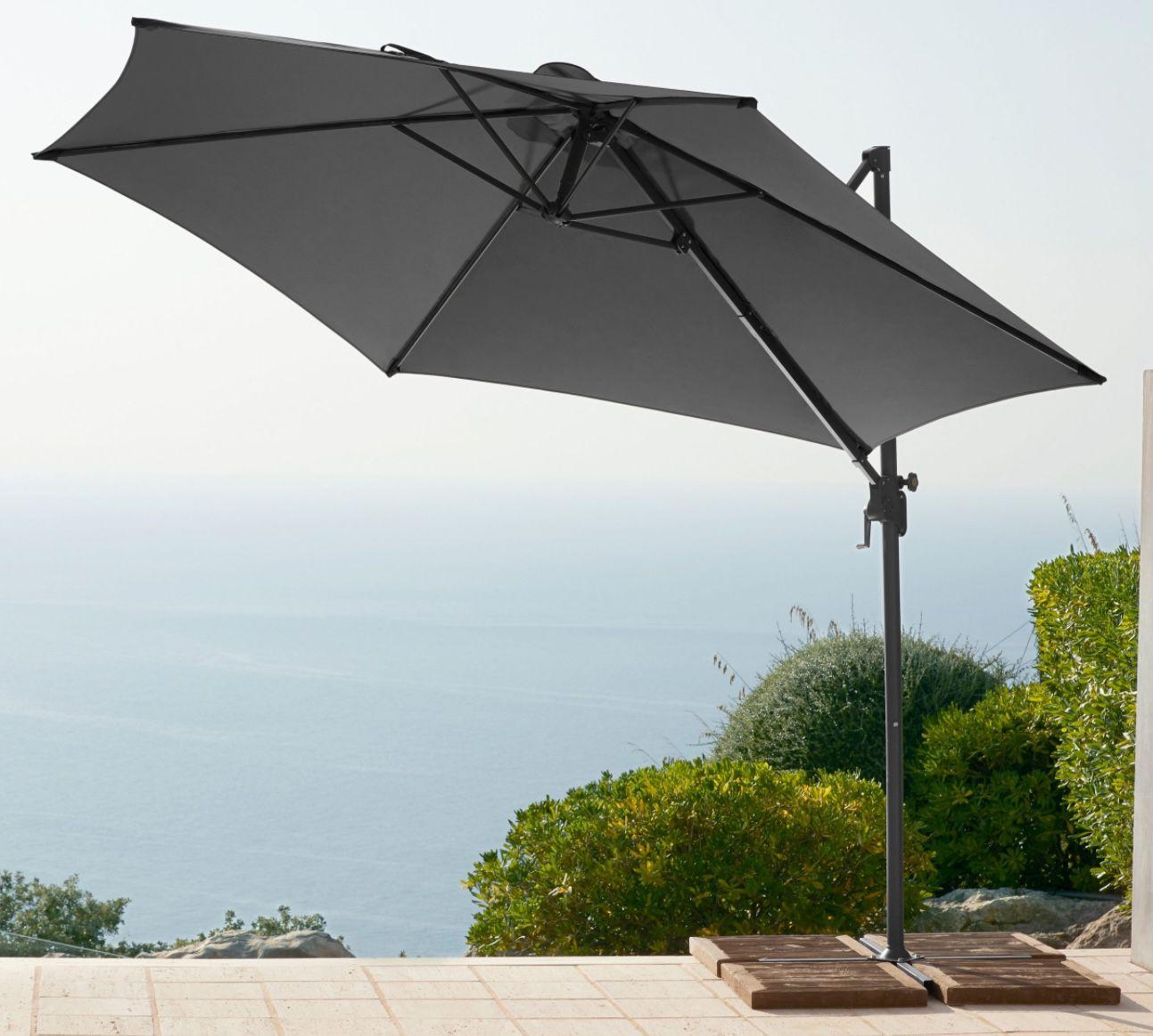 Garten Gut Palermo Ampelschirm ohne Wegeplatten für 92,94€ (statt 119€)